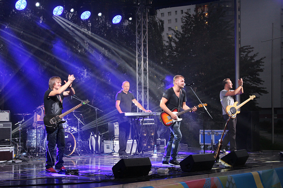 В студгородке состоялся рок-концерт, на который можно было пройти без билета