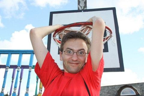 Дмитрий Герчиков, комментатор баскетбола на БГТРК, долгое время был автором «Прессбола». Источник — «Прессбол».