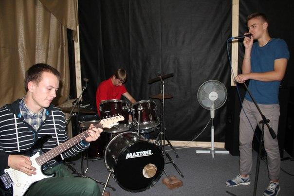 Барановичские парни ищут себя в музыке