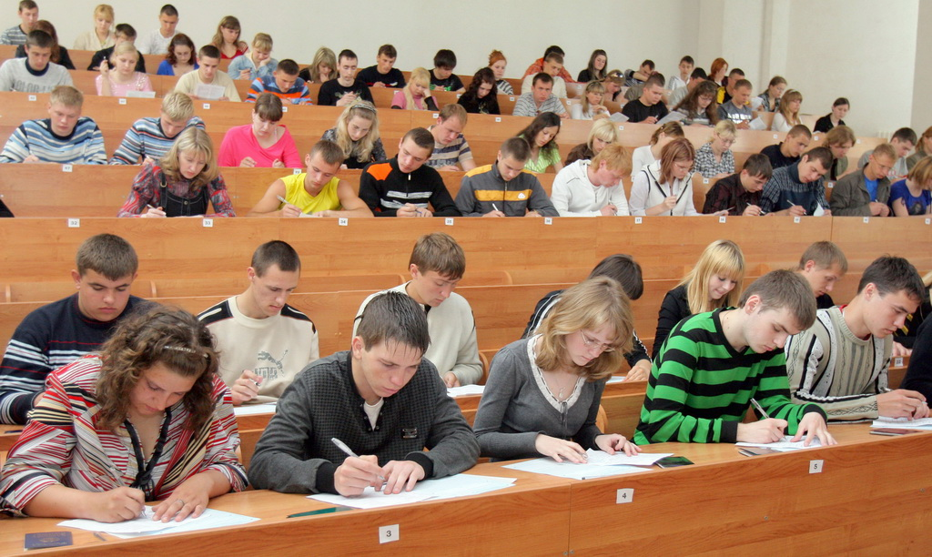 Не все школьники в этом году смогли набрать минимальные баллы…