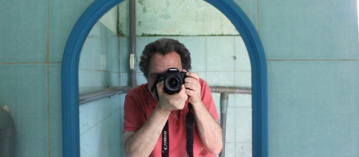Слоны и кофе: лекция Петера Соммерштейна в Институте журналистики