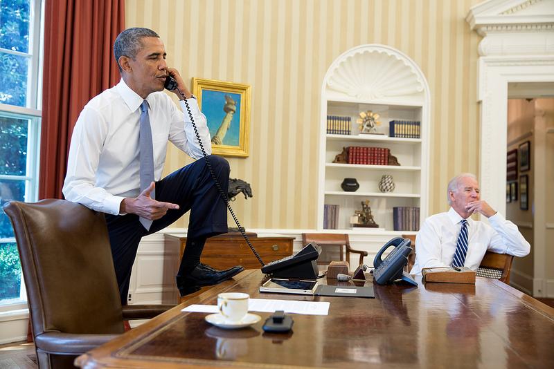 Obama-phone-Boehner-Syria-Flickr
