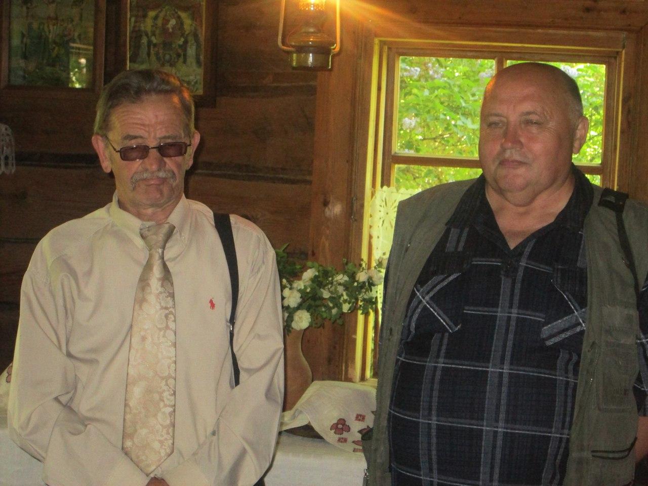 З пісьменнікам Яўгенам Хвалеевым у доме-музеі Янкі Купалы