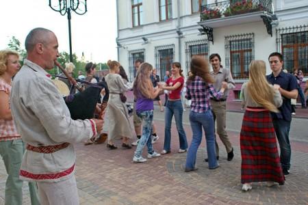 Чароўныя гукі дуды на Славянскім базары ў Віцебску