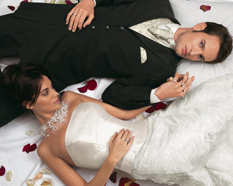 Свадьбы: невеста на лошади и муж в женской одежде 14