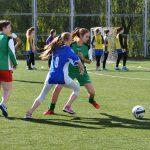 В футболе только девушки 15
