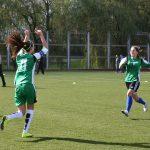 В футболе только девушки 17