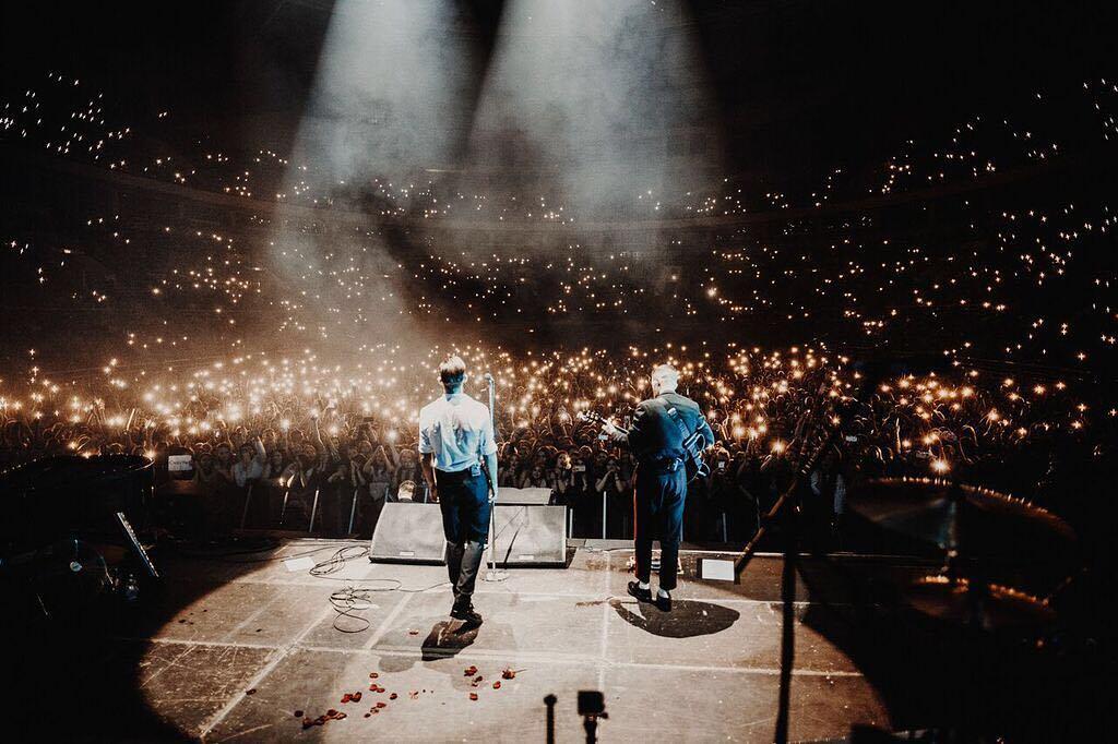 Группа Hurts в большом гастрольном туре: как встречают музыкантов в России? 12
