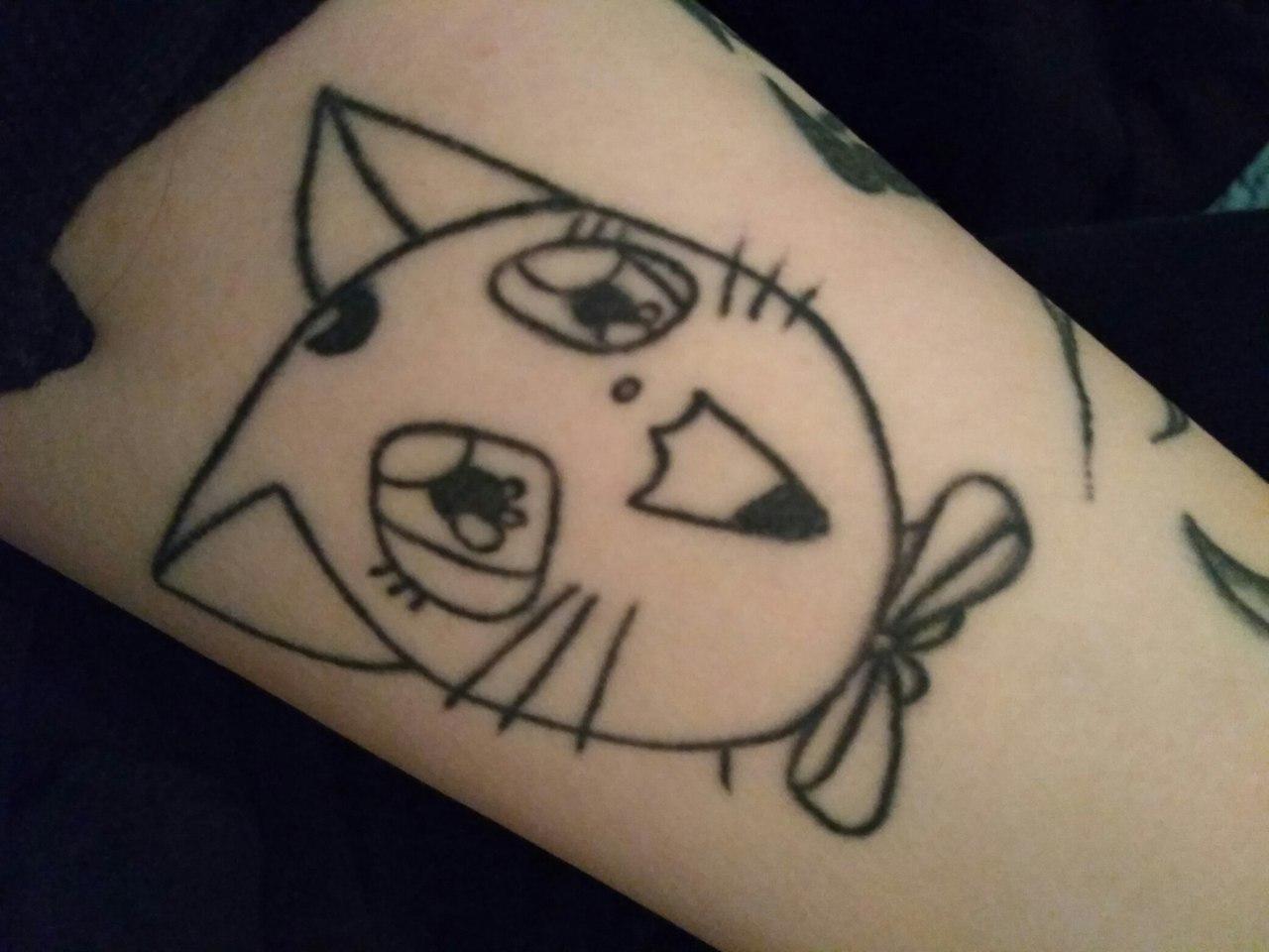 Начала бить татуировки в 15 лет... 13
