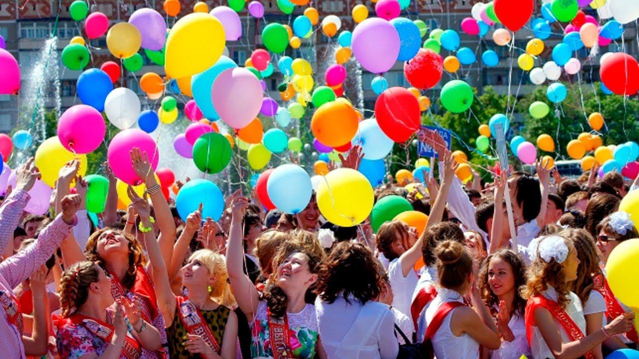 «Это вредно и опасно». Минприроды призывает не запускать воздушные шары во время праздников 7