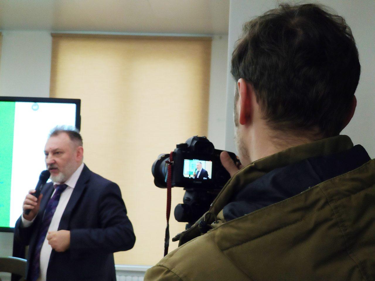 «После таких историй понимаешь: журналистике довольно сложно научить, ей можно только научиться». В Минске прошла презентация книги «Журналистика — это...» 19