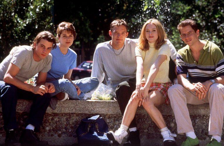 Эстетика фильмов 90-ых годов: почему она нравится молодёжи 2020?