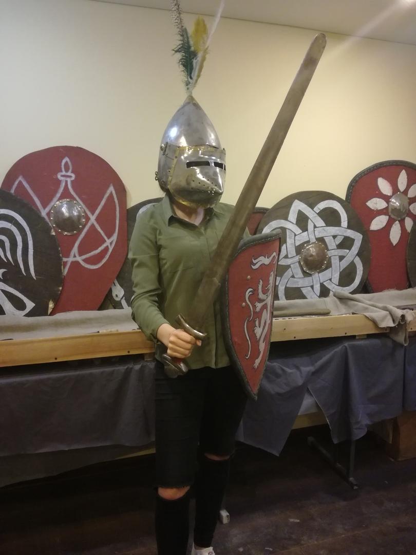 Интервью с кузнецом Алексеем Ноздриным, известным в Пинске реконструктором средневекового оружия и одежды 15