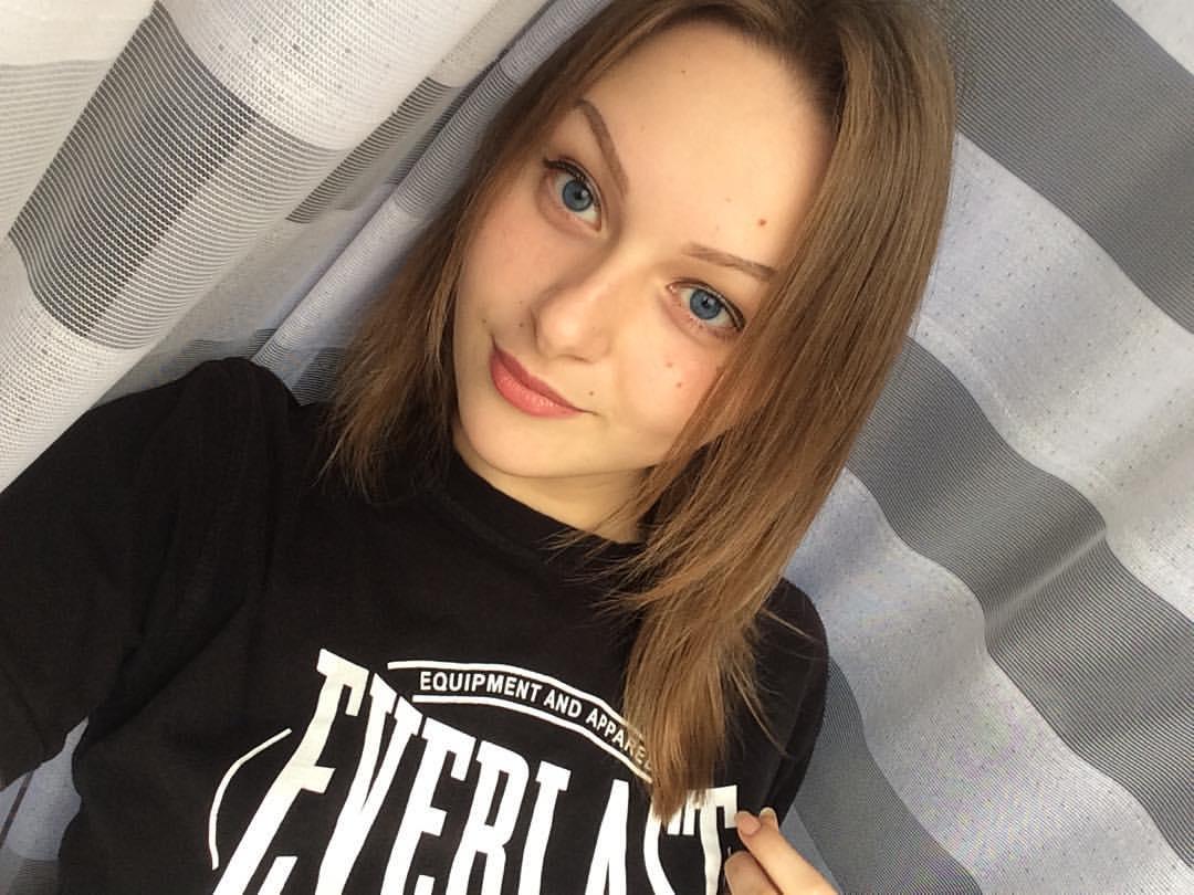 Выпускница факультета журналистики Виктория Марковская о женственности и не только 11