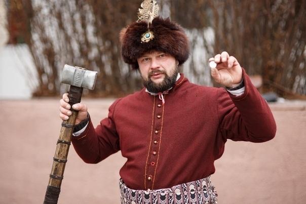 Интервью с кузнецом Алексеем Ноздриным, известным  в Пинске реконструктором средневекового оружия и одежды