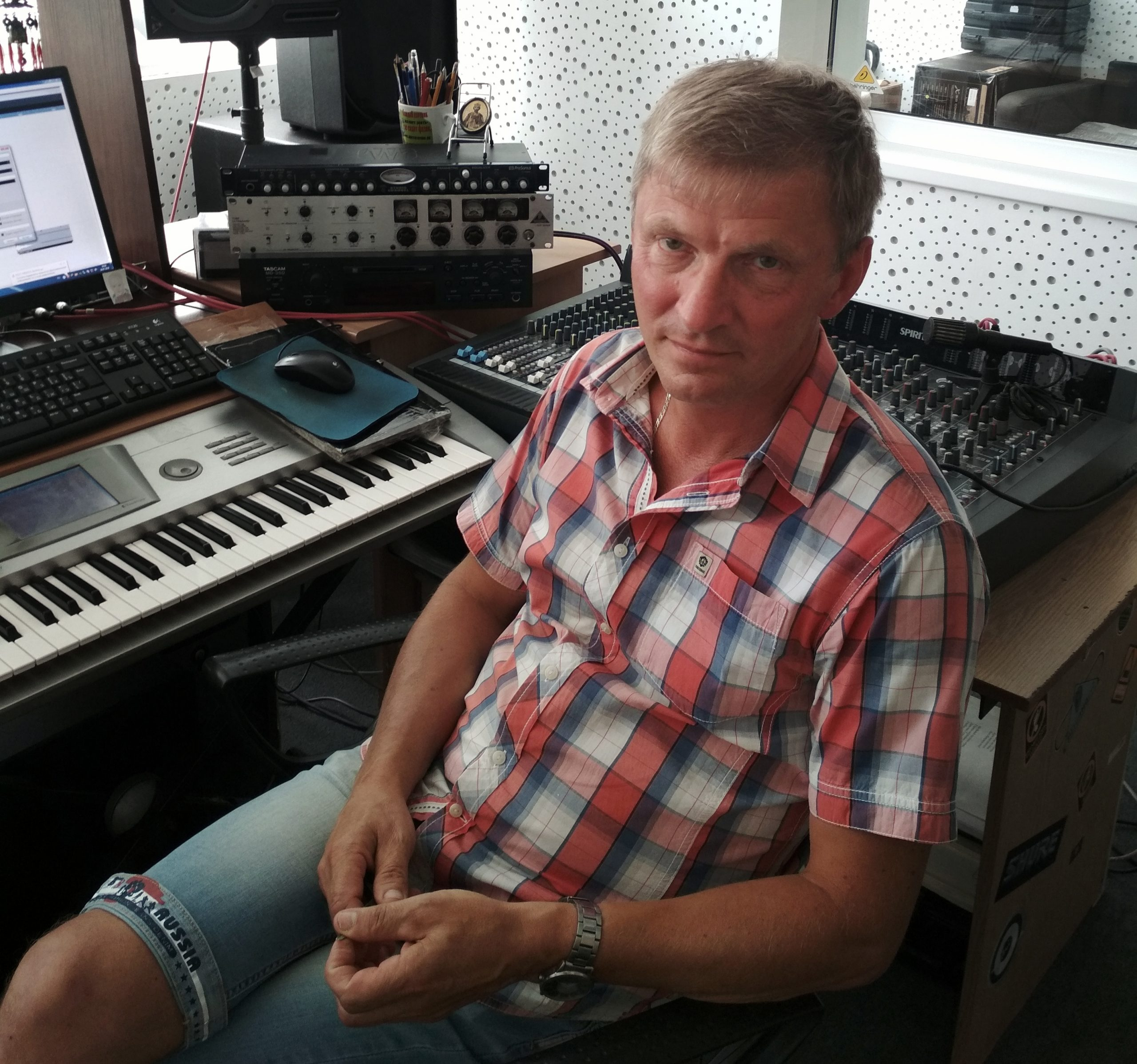 """""""Можно взять инструкцию к кофемолке и написать к ней музыку, но песней это не станет..."""" Интервью с Владимиром Суколинским 14"""