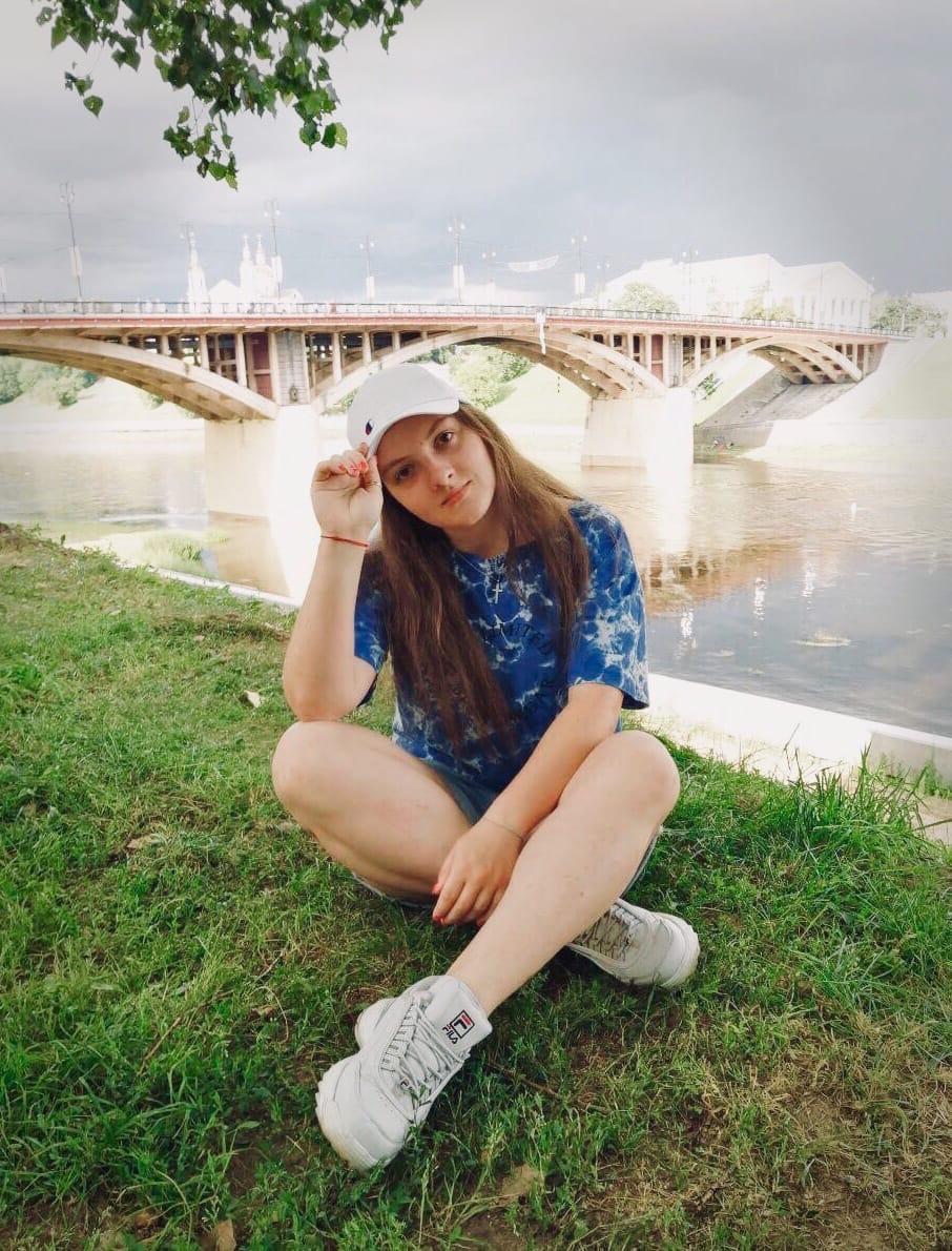 Хотела стать артисткой, но посчастливилось попасть на печатку. Интервью с Мариной Кишкурно: о КВН, кино и журналистике. 14
