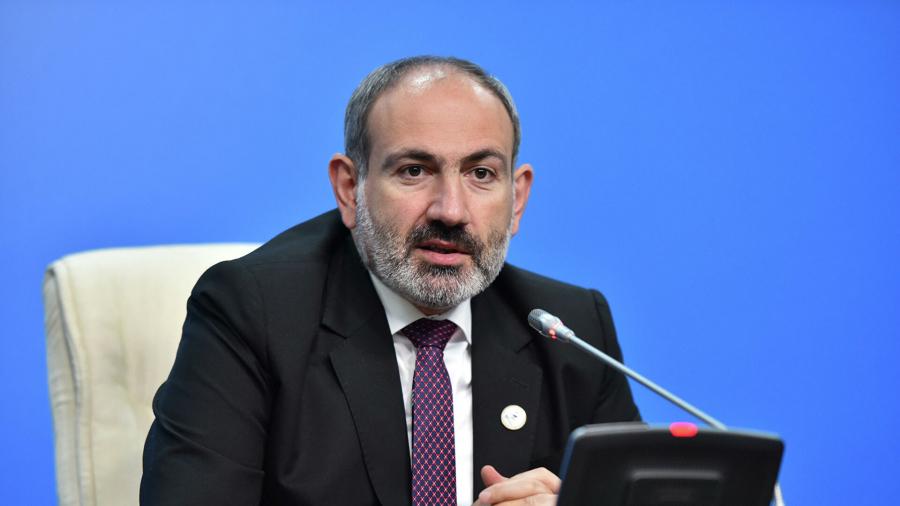 Никол Пашинян подал в отставку с поста премьера Армении 14