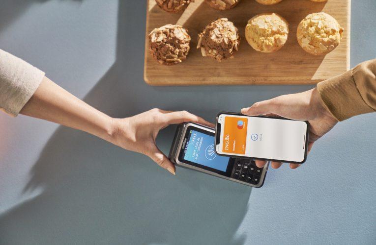 Apple Pay против Samsung Pay. Чем платить проще?